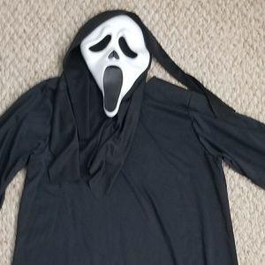 Spirit of Hallowwen Costumes - Scream/Ghost face costume